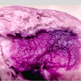 新発売紫芋まん 皮にも紫芋を練り込み 中のあんも紫芋から作られた やさしい甘さ(野菜)