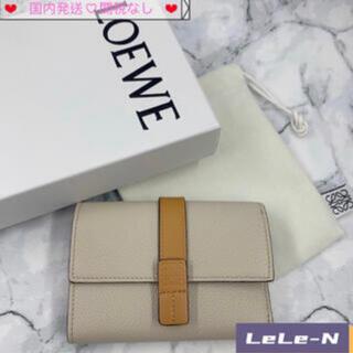 LOEWE - LOEWE<新品レシート付き>スモールバーティカル財布 ♪ライトオート/ハニー