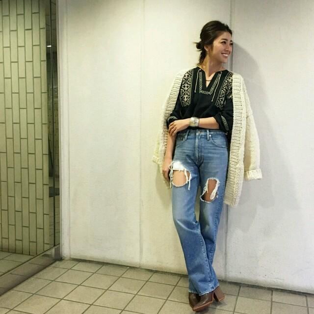 TODAYFUL(トゥデイフル)のtodayful☆刺繍ブラウス☆ブラック☆完売 レディースのトップス(シャツ/ブラウス(長袖/七分))の商品写真