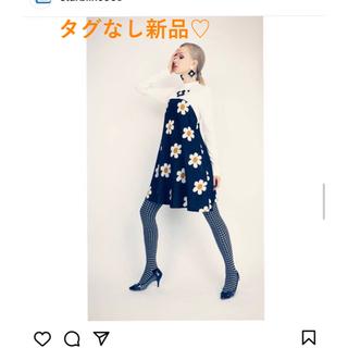 リリーブラウン(Lily Brown)の新品❗️starblinc  スターブリンク☆フラワーカットテントワンピース(ひざ丈ワンピース)