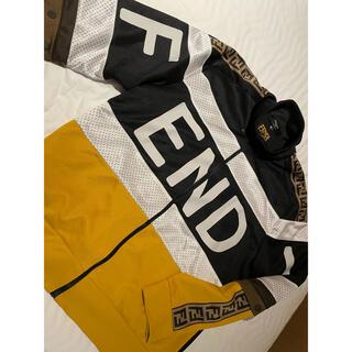 フェンディ(FENDI)の激安処分!FENDI マルチカラーアセテートスウェットシャツ正規23万(スウェット)