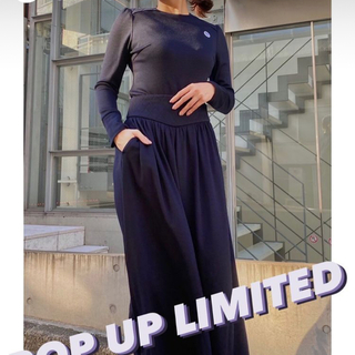 borders at balcony pop up限定 weekend tops