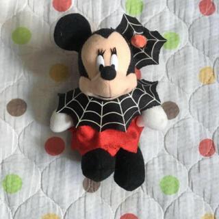 ミニーマウス(ミニーマウス)のミニー ぬいぐるみバッジ (キャラクターグッズ)