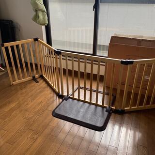 ニホンイクジ(日本育児)の日本育児 おくだけとおせんぼワイドwoody(ベビーフェンス/ゲート)