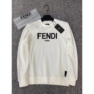 FENDI - 𝔽𝔼ℕ𝔻𝕀フェンディ    長袖   スウェット  男女兼用