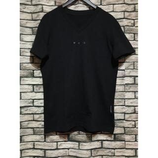ウノピゥウノウグァーレトレ(1piu1uguale3)の1PIU1UGUALE3 ウノピュウノウグァーレトレ★ロゴVネックTシャツ(Tシャツ/カットソー(半袖/袖なし))