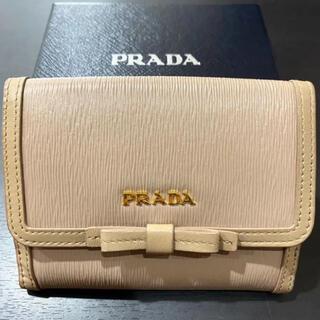 PRADA - 良品 定価6.3万 プラダ 折財布 リボン ベージュ カードケース ミニ財布