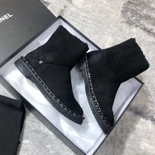 𝓒𝓗𝓐𝓝𝓔𝓛 ブーツ