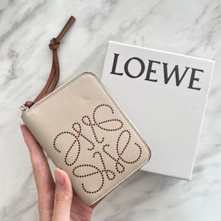 LOEWE - 【新品】LOEWE ロエベ ブランド アナグラムロゴ ジップ ミニ財布 ベージュ