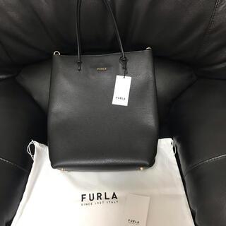 Furla - フルラ FURLA トートバッグ エッセンシャル Mサイズ ブラック