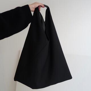 トライアングルトート バッグ 黒 ブラック モノトーン エコバッグ 大容量 大人