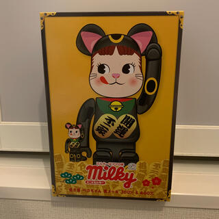 MEDICOM TOY - BE@RBRICK 招き猫 ペコちゃん 黒メッキ 100% 400%