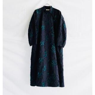 ネストローブ(nest Robe)の【新品】susuri ポーギードレス / ススリ ワンピース ジャガード(ひざ丈ワンピース)