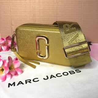 マークジェイコブス(MARC JACOBS)の新品 MARC JACOBS  スナップショット ショルダーバッグ ゴールド(ショルダーバッグ)
