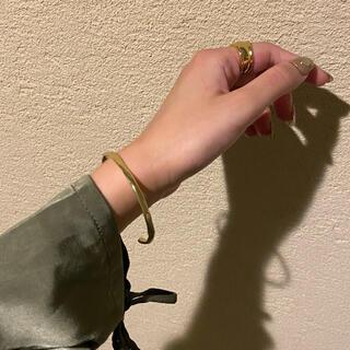 BEAUTY&YOUTH UNITED ARROWS - Slim wave gold bangle No.712