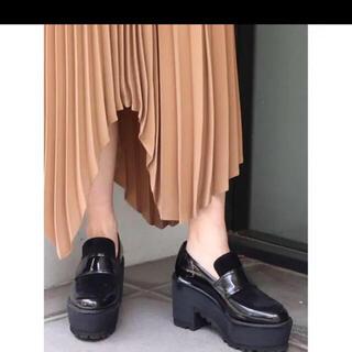 ムルーア(MURUA)のMURUA ローファー  厚底 ベロア(ローファー/革靴)