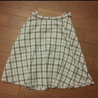 アーヴェヴェ(a.v.v)のa.v.v スカート Sサイズ(ひざ丈スカート)