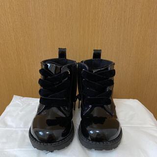 エイチアンドエム(H&M)のH&M★エナメルブラックブーツ(ブーツ)