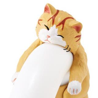 フェリシモ(FELISSIMO)のそこで寝ちゃうの?だら〜ん猫の傘タグ 茶トラくん(日用品/生活雑貨)