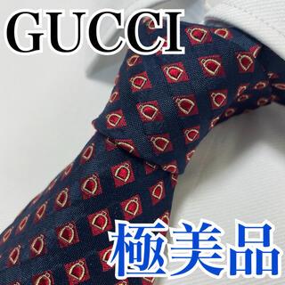 Gucci - 極美品 GUCCI グッチ ネクタイ 高級シルク 総柄 早い者勝ち