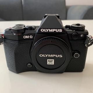 OLYMPUS - 【美品】OLYMPUS OM-D E-M5mark2ボディ
