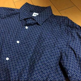 UNIQLO - ユニクロネイビーデザインコットンシャツ