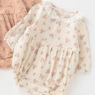 petit main - petitmain  レース襟付き花柄ロンパース