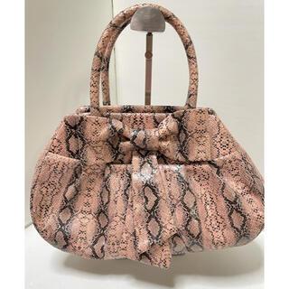 Samantha Vega - サマンサヴェガ 流行のパイソン柄 しかもピンクで可愛い 軽量バッグ 雨でも平気