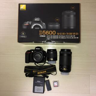 Nikon - Nikon D5600 ダブルズームキット SDカード&カードリーダー付き