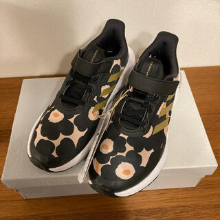 adidas ×marimekko コラボスニーカー ブラック×ゴールド 24