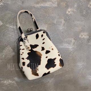 Ungrid - ホルスタイン ガマグチショルダー バッグ カウ 牛柄 アニマル 動物 レディース