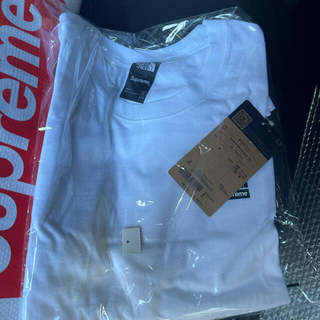 Supreme - Supreme/The North Face Mountains Tee
