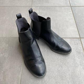 ユニクロ(UNIQLO)のユニクロ / サイドゴアショートブーツ ブラック 黒 22.5cm(ブーツ)