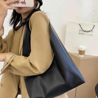 トライアングル バッグ エコバッグ レザー メンズ レディース 韓国 ショルダー