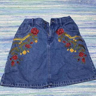 ウィゴー(WEGO)のWEGO 刺繍スカート(ひざ丈スカート)