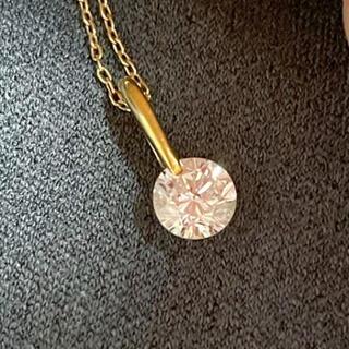 K18、大粒ダイヤモンド、0.6ct、ペンダント、ネックレス。18金、一粒ダイヤ