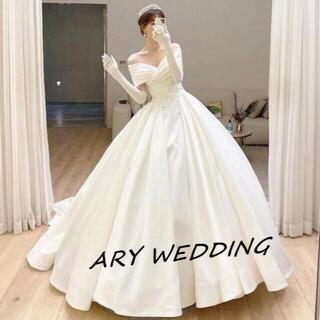 豪華!オフショル ウエディングドレス 光沢サテン プリンセスライン 挙式(ウェディングドレス)