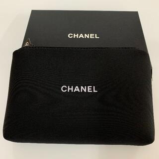 CHANEL - CHANEL シャネル ポーチ 箱付き ブラック ノベルティ 化粧ポーチ