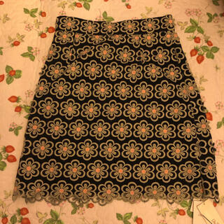 リリーブラウン(Lily Brown)のLily Brown 花柄スカート(ひざ丈スカート)