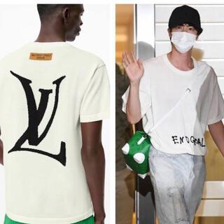 ボウダンショウネンダン(防弾少年団(BTS))の本物 BTS JIN着用モデル ホワイト クルーネック Tシャツ 新作 NBA (Tシャツ/カットソー(半袖/袖なし))
