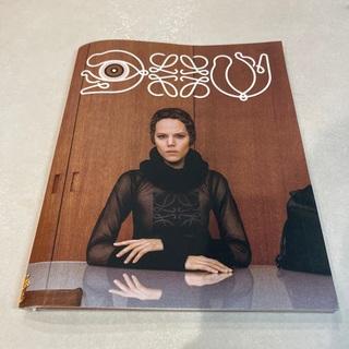 ロエベ(LOEWE)のロエベ カタログ 2021/秋冬 シール付き(ファッション)