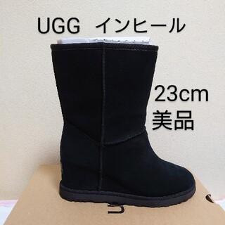 UGG - 【美品】アグ UGG クラシック  ショート ブーツ 黒 23cmインヒール♡