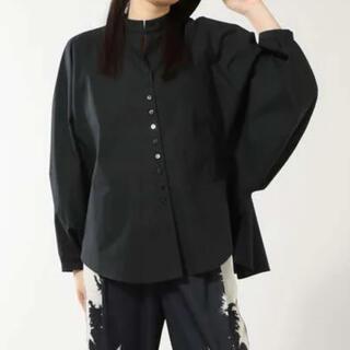 ローズバッド(ROSE BUD)のmici バックギャザーシャツ(シャツ/ブラウス(長袖/七分))