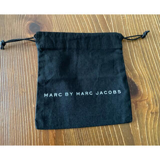 マークバイマークジェイコブス(MARC BY MARC JACOBS)のMARC BY MARC JACOBR ミニ巾着(ポーチ)