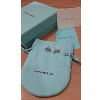 Tiffany & Co. - 未使用品!ティファニー インフィニティ ピアス