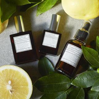 オゥパラディ(AUX PARADIS)のAux paradis grapefruit 15ml(香水(女性用))