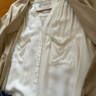 ルカ(LUCA)のLUCAパールつき ブラウス(シャツ/ブラウス(半袖/袖なし))