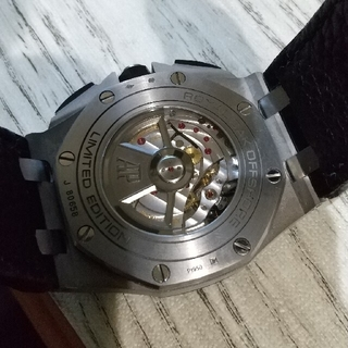 メンズ、革ベルト時計