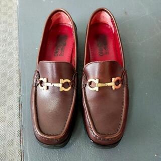 サルヴァトーレフェラガモ(Salvatore Ferragamo)の#1301【Salvatore Ferragamo:ローファー、モカシン】(ローファー/革靴)