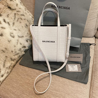 Balenciaga - 伊勢丹購入♡新品♡バレンシアガ バッグ エブリデイ XXS ホワイト